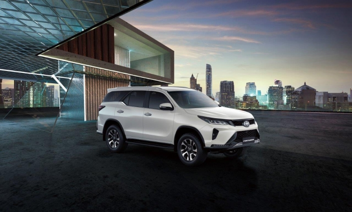 Fortuner KV (Low Res)